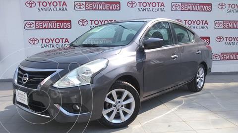 Nissan Versa Advance usado (2015) color Gris Oscuro precio $135,000