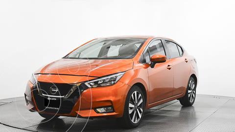 Nissan Versa Exclusive NAVI Aut usado (2021) color Naranja precio $284,000