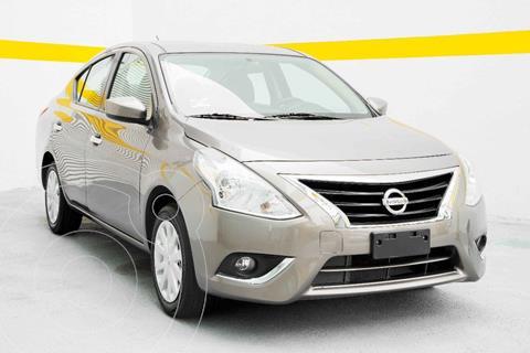 Nissan Versa Sense usado (2019) color Cafe precio $175,000