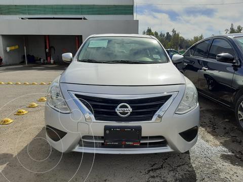 Nissan Versa Sense usado (2017) color Plata precio $145,000