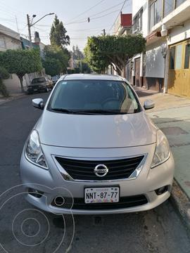 Nissan Versa Exclusive Aut usado (2013) color Plata precio $114,000