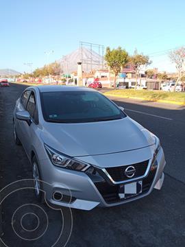Nissan Versa  Sense CVT usado (2021) color Plata precio u$s15,300