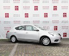 Foto venta Auto Seminuevo Nissan Versa Sense Aut (2017) color Plata precio $175,000