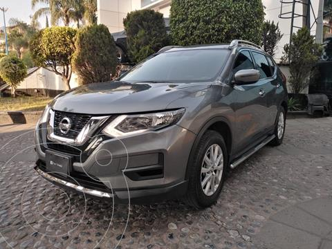 Nissan X-Trail Sense 3 Row usado (2018) color Gris financiado en mensualidades(enganche $79,975)