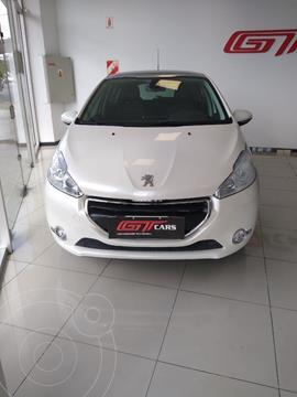 Peugeot 2008 Feline usado (2015) color Blanco precio $1.380.000