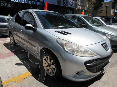 Peugeot 207 Compact 1.6 Feline 4P usado (2010) color Blanco Banquise precio $730.000