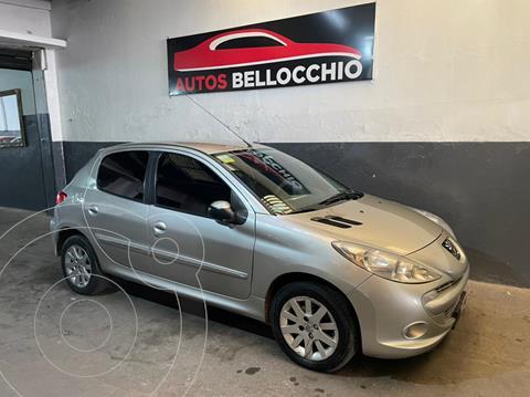 Peugeot 207 Compact 1.4 XS 4P usado (2013) color Gris Aluminium financiado en cuotas(anticipo $450.000)