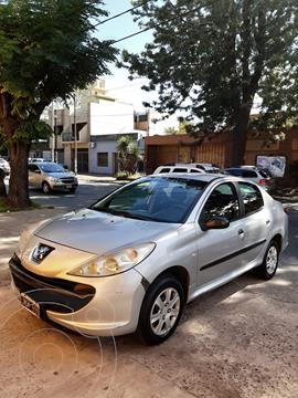 Peugeot 207 Compact 1.4 Active 5P usado (2010) color Gris precio $850.000