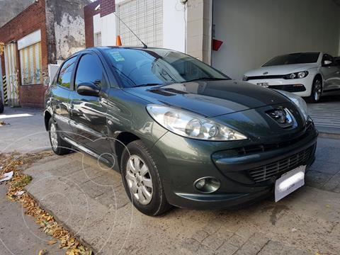 Peugeot 207 Compact 1.4 HDi Allure 5P usado (2013) color Gris Manitoba precio $820.000