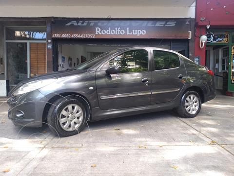 Peugeot 207 Compact Xs 1.4 4p usado (2011) color Gris Oscuro precio $590.000
