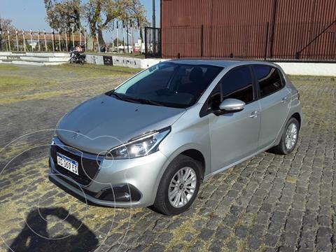 Peugeot 208 Active 1.6 usado (2018) color Gris precio $1.700.000