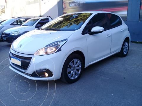 Peugeot 208 Active 1.6 usado (2018) color Blanco precio $1.550.000