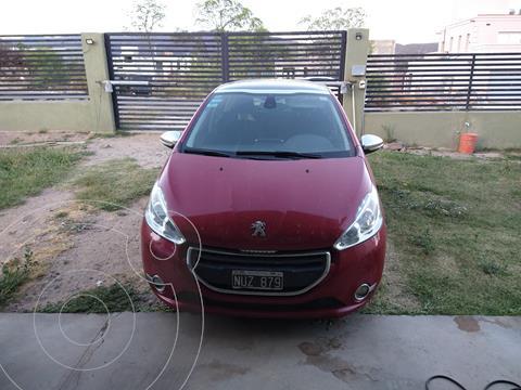 Peugeot 208 Feline 1.6  usado (2014) color Rojo Lucifer precio $1.600.000