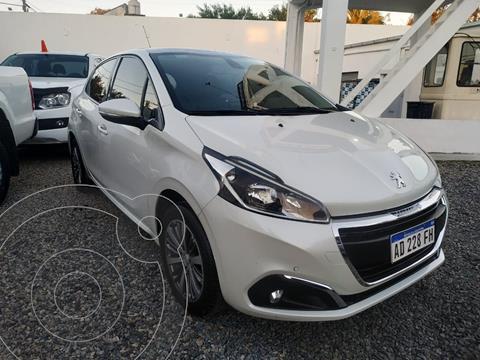 Peugeot 208 Feline 1.6 usado (2018) color Blanco Banquise precio $1.745.000
