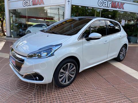 Peugeot 208 Feline 1.6 usado (2018) color Blanco precio $1.639.990