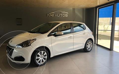 Peugeot 208 Active 1.6 usado (2018) color Blanco Banquise precio $1.250.000