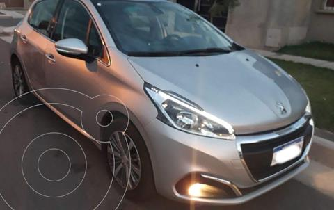 Peugeot 208 Feline 1.6 usado (2017) color Gris Aluminium precio $1.500.000