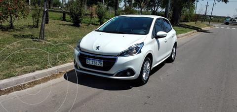 Peugeot 208 Allure 1.6 usado (2018) color Blanco precio $1.800.000