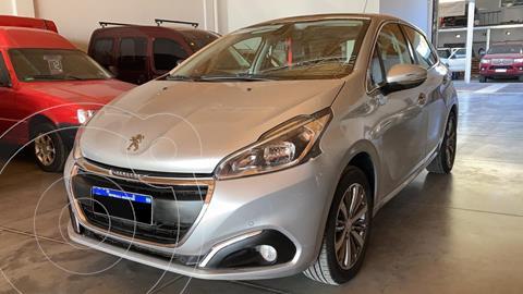 Peugeot 208 Feline 1.6 usado (2018) color Gris precio $1.600.000