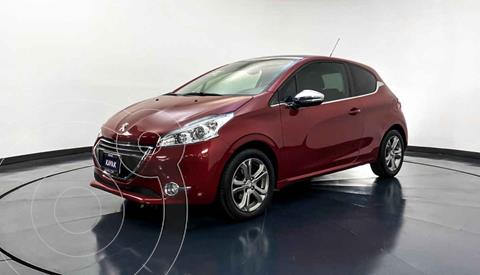 Peugeot 208 1.6L Feline usado (2014) color Rojo precio $154,999