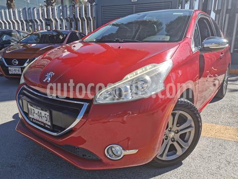 foto Peugeot 208 1.6L Féline usado (2016) color Rojo Rubí precio $155,000