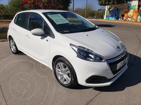 Peugeot 208 1.6 ALLURE STD usado (2020) color Blanco precio $250,000