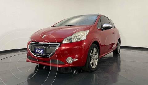 Peugeot 208 1.6L Feline usado (2014) color Rojo precio $157,999