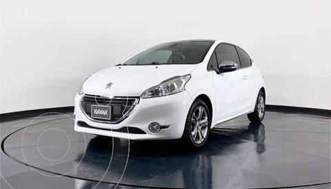 Peugeot 208 1.6L Feline 3P  usado (2016) color Blanco precio $172,999