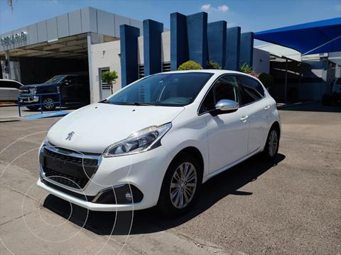 Peugeot 208 1.2L Allure PureTech  usado (2019) color Blanco precio $230,000