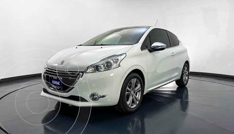 Peugeot 208 1.6L Feline 3P  usado (2015) color Blanco precio $194,999