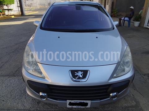 foto Peugeot 307 CC 2.0L Tiptronic usado (2008) color Plata precio u$s2.000
