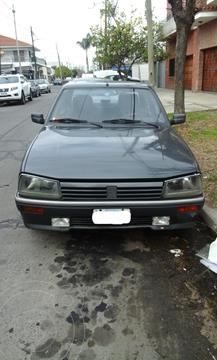 Peugeot 505 2.2 usado (1992) color Gris precio $500.000