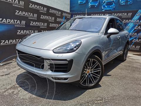 Porsche Cayenne Turbo usado (2015) color Plata Cristal precio $1,055,000