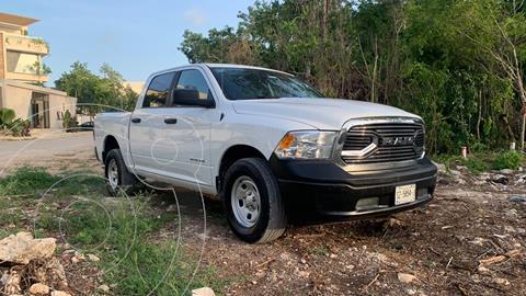 RAM 1500 SLT 1500 Crew Cab Trabajo 3.6L Aut 8 vel 4x2 usado (2020) color Blanco precio $540,000