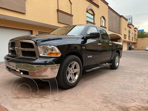 RAM 1500 SLT Crew Cab 5.7L 4x2 usado (2011) color Negro precio $320,000