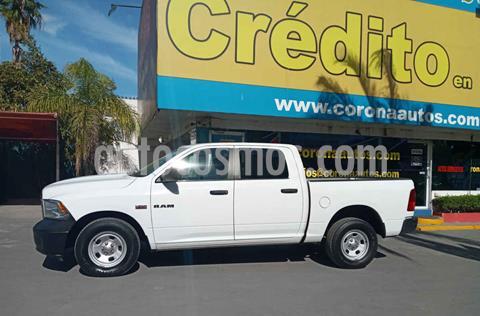 RAM 1500 SLT Crew Cab 5.7L 4x2 Trabajo usado (2015) color Blanco precio $329,900