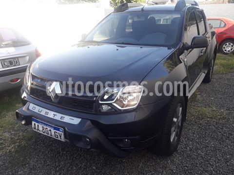 Renault Duster Oroch Outsider Plus 2.0 usado (2016) color Negro precio $1.365.000