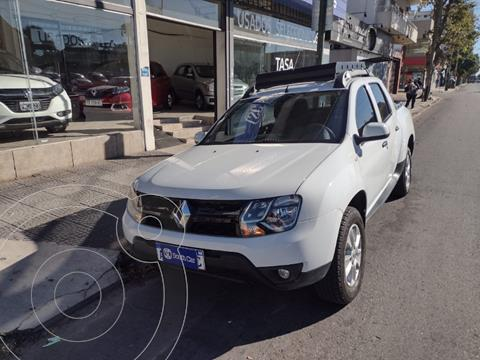 Renault Duster Oroch Outsider Plus 2.0 usado (2019) color Blanco precio $1.865.000