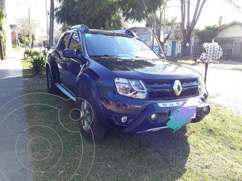 Renault Duster Oroch Outsider Plus 2.0 usado (2016) color Negro precio $1.625.000