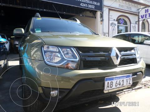 Renault Duster Oroch Outsider Plus 2.0 usado (2017) color Verde Oscuro precio $1.755.000