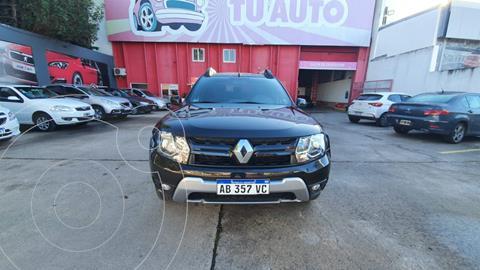 Renault Duster Oroch Outsider Plus 2.0 usado (2017) color Negro precio $1.950.000