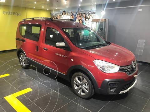 Renault Kangoo Stepway 1.6 SCe nuevo color Rojo Vivo financiado en cuotas(anticipo $450.000 cuotas desde $25.541)