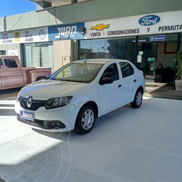 Renault Logan 1.6 Pack I usado (2017) color Blanco precio $1.080.000