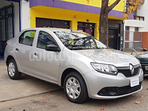Renault Logan 1.6 Authentique Pack I usado (2014) color Plata precio $749.000