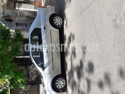 foto Renault Logan 1.6 Authentique usado (2013) color Plata precio $370.000