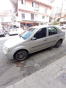 foto Renault Logan Expression usado (2008) color Gris precio $14.200.000