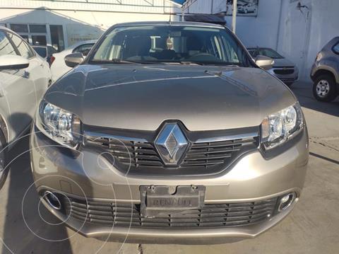 Renault Logan Zen usado (2018) color Dorado precio $150,000