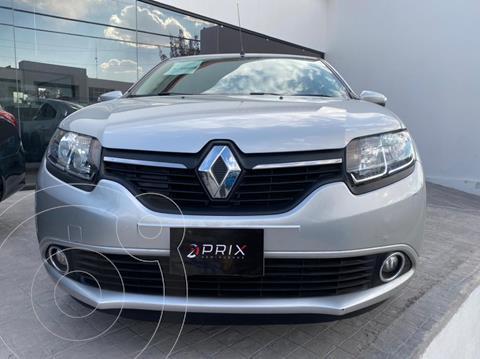 Renault Logan Intens usado (2019) color Plata precio $180,000