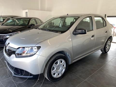 Renault Logan Authentique usado (2017) color Plata precio $140,000