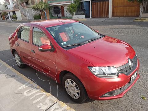 Renault Logan 1.6L Life  usado (2018) color Rojo Fuego precio u$s9,200